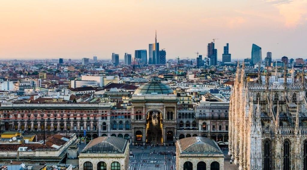 duomo duomo milano dusk – Недвижимость в районах Милана