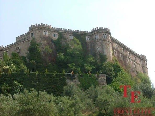 Замок в Абруццо • Недвижимость Италии