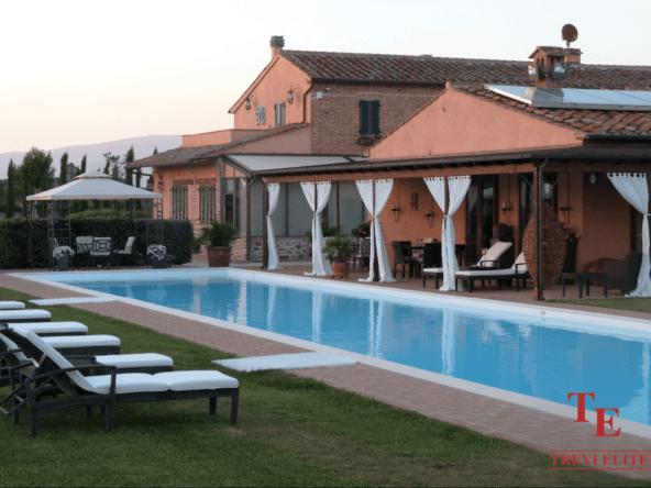 Поместье в Умбрии • Недвижимость Италии