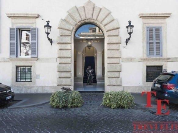 Элитная квартира в Риме, 240 м2, терраса 40м2 на Пьяцца Боргезе | Недвижимость Италии