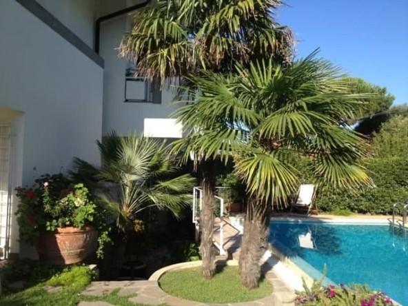 Дом на берегу моря в Лавинио   Недвижимость Италии