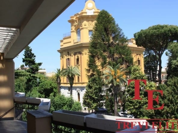 Квартира с террасой в Риме, квартал Коппеде | Недвижимость Италии