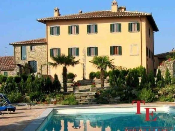 Виноградник в Тоскане   Недвижимость Италии
