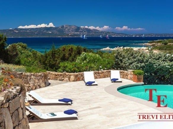 Элитная вилла на море • Недвижимость Италии