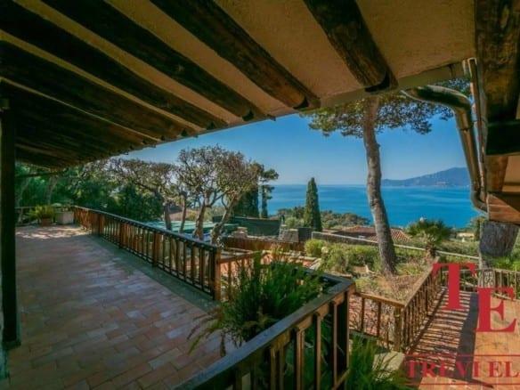 "Вилла с видом на море, курорт Анседония • Агентство недвижимости в Италии ""Треви Элит"""