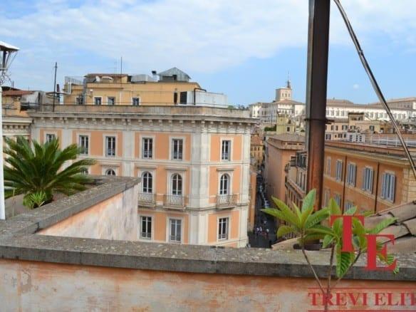 Пентхаус у фонтана Треви | Недвижимость Италии