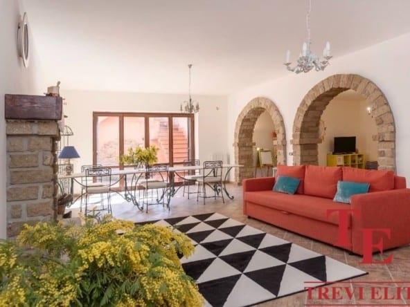 Современный дом с виноградником • Недвижимость Италии