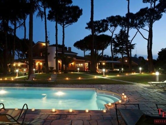 Элитная вилла в Риме с бассейном и садом в районе Монтеверде | Недвижимость Италии
