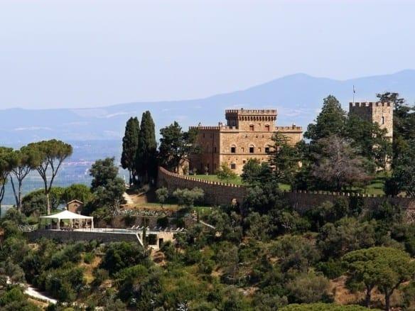 Замок на побережье Тосканы • Недвижимость Италии