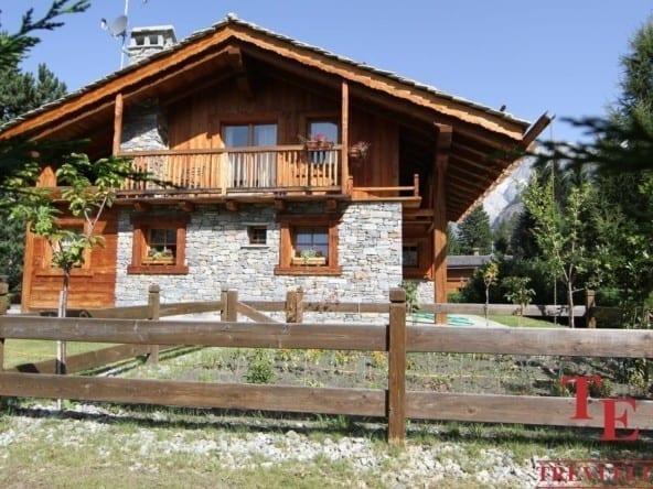 Шале на горнолыжном курорте Курмайор • Недвижимость Италии