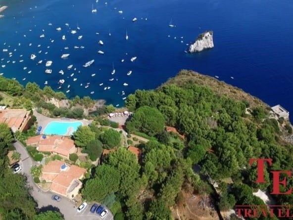 Отель на первой линии моря • Недвижимость Италии