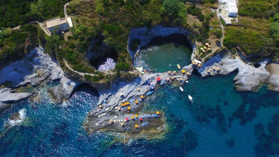 Путешествие на остров Понца • Недвижимость Италии