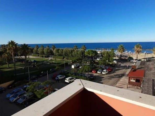 Квартира на море в Пескаре • Недвижимость Италии