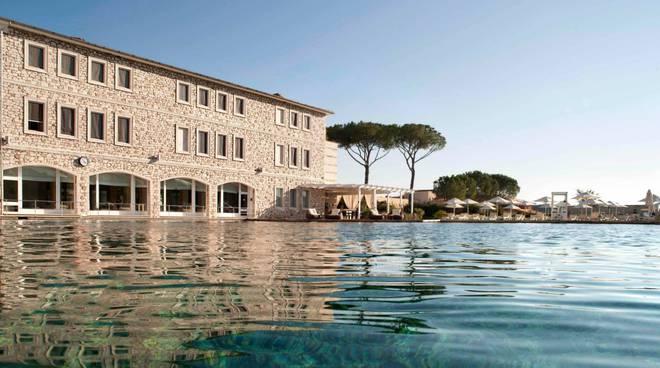 Дом у моря в Пунта-Ала, Тоскана   Недвижимость Италии