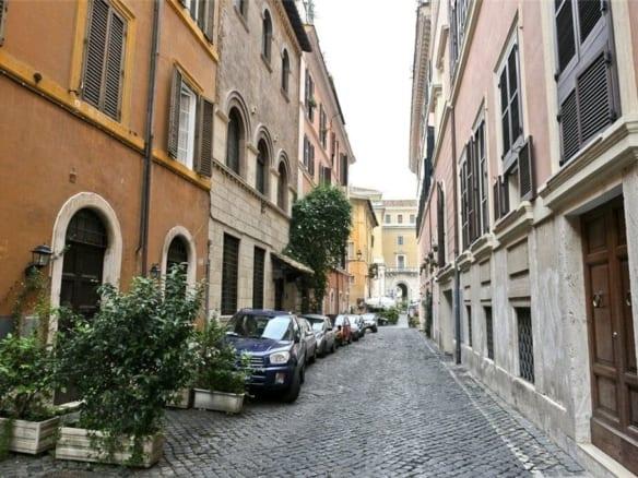"""Квартиры в здании после реставрации в Трастевере • Агентство недвижимости в Италии """"Треви Элит"""""""