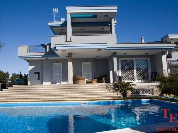"""Вилла с панорамным видом на море в Анцио • Агентство недвижимости в Италии """"Треви Элит"""""""