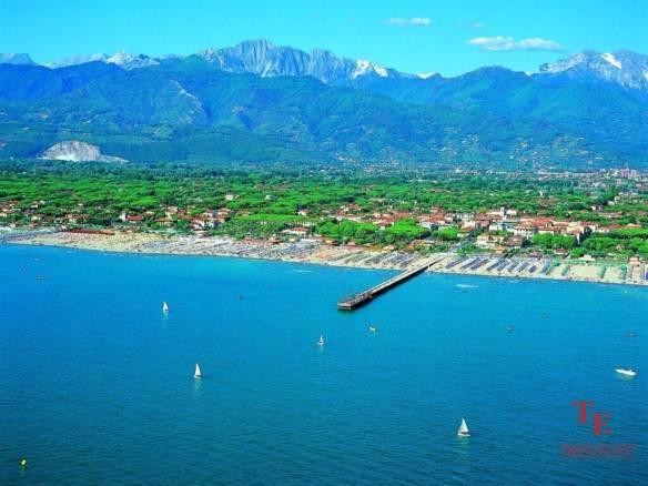 Пятизвездочный отель на курорте Форте-дей-Марми   Недвижимость Италии